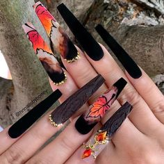 50 Beautiful Nail Art Designs & Ideas Nails have for long been a vital measurement of beauty and Halloween Acrylic Nails, Bling Acrylic Nails, Best Acrylic Nails, Hot Nails, Swag Nails, Hair And Nails, Grunge Nails, Creative Nail Designs, Creative Nails