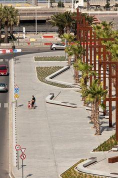 600 25 El jardín de Umm Hakim. Espacio público sobre la desembocadura del Rio de la Miel. Algeciras.
