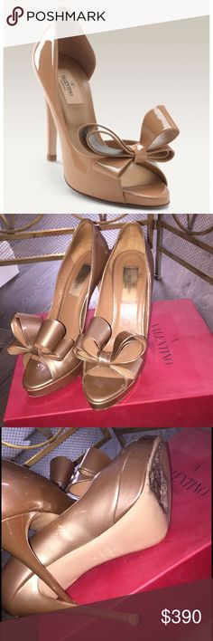 Valentino Couture Bow d'Orsay Heel Size 37. These gorgeous girls are authentic, fabulous and clearly speak for themselves! Valentino Shoes Heels