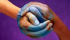 La Communication Non Violente (CNV) est un processus mis au point par Marshall Rosenberg, psychologue américain. Il repose sur une clarté de l'intention et sur une pratique du langage qui renforcent notre aptitude à conserver nos qualités humaines, même dans des situations délicates, et à favoriser la coopération en toutes circonstances.