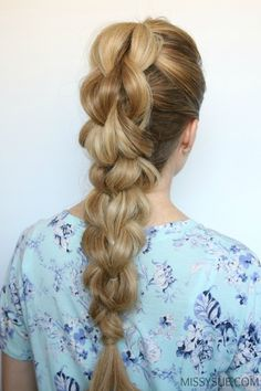 You've seen the pull-through braidand now it's time to take it to the next level. This 3 strand or 3D pull through braid is definitely more advanced but the hard work pays off! This style looks both intricate and difficult but once you nail down the pattern you'll be doing it in your sleep! This style is inspired by Shelleyfrom PrettyLittleBraids on instagram. I am obsessed with the edgy look and think it'd beperfect for sports or the gym because it's held in place with a series of…