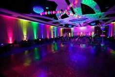 I want a big empty room like this for my sweet 16