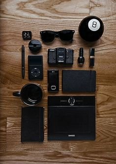 Murdered out Things Organized Neatly yo' Mochila Edc, Fashion Mode, Mens Fashion, Things Organized Neatly, Sport Outfit, What In My Bag, All Black Everything, Black Is Beautiful, Back To Black