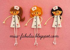 Nurse doll brooch - Broche muñeca enfermera