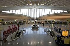 Aeropuerto de Bilbao (BIO) en Lujua, País Vasco http://www.aena-aeropuertos.es/csee/Satellite/Aeropuerto-Bilbao/es/Bilbao.html