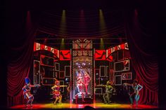 The Set Designs of Kinky Boots by David Rockwell Theatre Stage, Musical Theatre, Kinky Boots Musical, Stage Set Design, West End, Musicals, Scene, World, David
