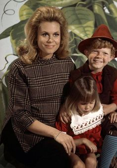 Elizabeth Montgomery, Erin Murphy and Johnny Whitaker. Sam, Tabitha and Jack in the Beanstalk.