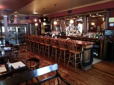 Read online restaurant reviews, testimonials, great food & drinks, special occasion & company party venue, after game happy hour specials in Lehigh Valley PA.
