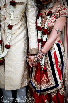 indian bride and groom with flower garlands, jai mala, red indian bridal lehenga Indian Bridal Lehenga, Indian Bridal Wear, Big Fat Indian Wedding, Indian Weddings, Indian Wedding Sari, Lehenga Wedding, Indian Bride And Groom, Bride Groom, Desi Wedding