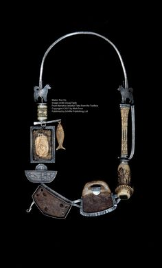 "Wearable Art Jewelry, inspirierende Schmuckkünstler - ""Bear& Reliquary"" 2007 tragbare Kunst von Ron Ho Spotted on blukatdesign. Contemporary Jewellery, Modern Jewelry, Metal Jewelry, Jewelry Art, Jewelry Crafts, Jewelry Design, Stone Jewelry, Gold Jewelry, Beaded Jewelry"