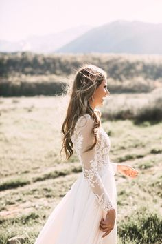 White wedding dress. Brides imagine having the perfect wedding day, however for this they require the most perfect wedding dress, with the bridesmaid's outfits actually complimenting the brides dress. The following are a number of suggestions on wedding dresses.