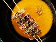 Avec les lectrices reporter de Femme Actuelle, découvrez les recettes de cuisine des internautes : Potage carotte-poireau au gingembre, brochettes de poulet