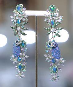 GOLDESIGN BRAZILIAN JEWELLERY (@goldesignbrazilianjewellery) on Instagram: An astonishing earring made with opals, diamonds and emeralds.