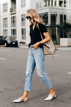 My New Favorite Boyfriend Jeans from Everlane Pantalones Boyfriend, Ripped Boyfriend Jeans, Mom Jeans, Skinny Jeans, Boyfriend Jeans Outfit Casual, Black Women Fashion, Latest Fashion For Women, Womens Fashion, Fashion 2016