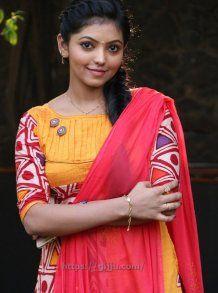 Kadhal Kan Kattuthe Actress Athulya Ravi Photos - Athulya Ravi Images - Athulya Stills in Yellow Chudi