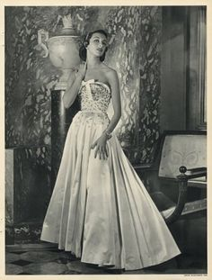 Carven 1952 Evening Gown, Fashion Photography