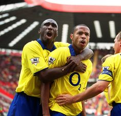 Thierry Henry celebrates scoring Arsenal's goal with Sol Campbell. Charlton Athletic v Arsenal. The Valley, Charlton, Credit : Arsenal Football Club / Stuart MacFarlane. Arsenal Wallpapers, Arsenal Goal, Charlton Athletic, Old Trafford, Manchester City, Champions League, Premier League, Fifa, Goals