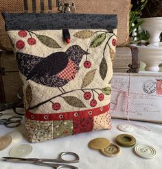 High Park Farm blackbird and cherries snap pouch pattern with appliqué and embroidery Patchwork Bags, Quilted Bag, Crazy Patchwork, Hand Sewing Projects, Quilting Projects, Small Quilts, Mini Quilts, Wool Applique, Applique Quilts