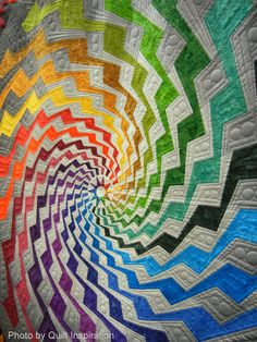 """Detail of the amazing """"Byrne's Spiral"""" quilt by Beth Nufer, quilted by Clem…"""