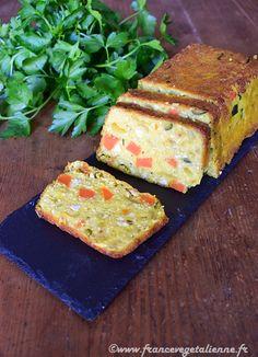 Terrine de tofu aux légumes (recette végane) Seitan, Tempeh, Cake Legumes, Good Food, Yummy Food, Flan, Food Photo, Avocado Toast, Entrees