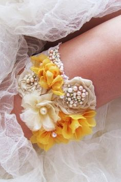 Who says you have to have a simple white lace wedding bridal garter? #TimelessTreasure #WeddingGarter