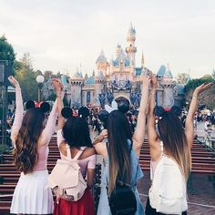 Image de disney, mylifeaseva, and bff Photos Bff, Bff Pictures, Best Friend Pictures, Disney Pictures, Disneyland Images, Disneyland Trip, Disney Trips, Disney Parks, Foto Casual