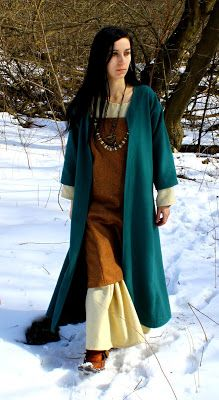 Early Medieval coat for woman