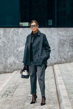 Milan Fashion Week& Best Street Style Looks - Ciao Bella ! The Best Looks Of Milan Style Street Fashion Week Fashion 2020, Love Fashion, Womens Fashion, Milan Fashion, Fashion Weeks, Spring Street Style, Street Style Looks, Business Outfits, Business Chic