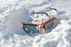 6 Critical Tips You Need to Know In Order To Survive Being Stranded in Your Car in Freezing Temperatures