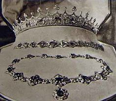 Queen Victoria's sapphire coronet.  In 1922 Princess Mary, the only daughter of King George V and Queen Mary, married Viscount Lascelles (later Earl of Harewood). The King gave his grandmother's tiara, along with a matching parure, to his daughter as a wedding gift