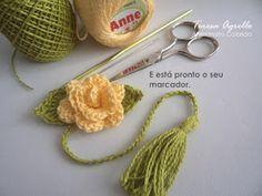 As Receitas de Crochê: Marcador de páginas Rosa de croche Thread Crochet, Crochet Toys, Free Crochet, Knit Crochet, Crochet Keychain, Crochet Bookmarks, Crochet Classes, Crochet Projects, Crochet Gloves Pattern