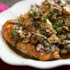 Chicken Marsala With Mushrooms and Shallots Recipe. Quick and easy, this chicken Marsala is packed with flavor, . Chicken Mushroom Marsala, Mushroom Soup, Marsala Mushrooms, Shallot Recipes, Hash Tag, Chicken Cutlets, Cooking Recipes, Healthy Recipes, Top Recipes