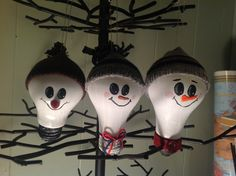 More painted light bulbs | Holiday ideas