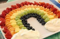 """Eat a Rainbow: healthy kids party food! We are always in search of ways to incorporate healthy food choices in fun ways that kids will enjoy. That was why we loved the """"Eat A Rainbow"""" fruit cups and k Healthy Kids Party Food, Healthy Food Choices, Healthy Treats, Food Kids, Healthy Birthday Treats, Kids Party Snacks, Parties Kids, Healthy Children, Toddler Food"""