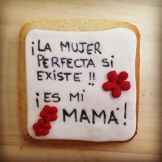 Galletas decoradas especiales para mamá! #VillaBakery #VillaviciosaDeOdon #GalletasDecoradas #ReposteriaCreativa #ReposteriaArtesanal #RegaloDulce #CajasDesayuno #DiaDeLaMadre