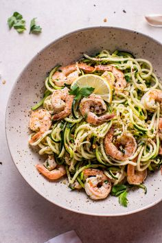 Want a fast low-carb meal that's healthy and tasty? Try these 15 minute garlic shrimp zoodles.