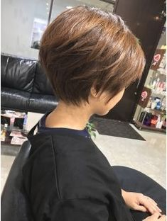 【PUEDE】 タ イ ト y 丸 み ベ リ シ ョ - estilo casual - estilo urbano - estilo clasico - estilo natural - estilo boho - moda estilo - estilo femenino Short Hair With Layers, Short Hair Cuts For Women, Layered Hair, Cute Hairstyles For Short Hair, Hairstyles Haircuts, Short Hair Styles, Pixie Bob Hairstyles, Short Haircut, Asian Short Hair