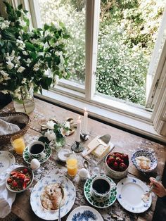 houses dream homes The Breakfast Club, Romantic Breakfast, Country Breakfast, Slow Living, Recipe Of The Day, Food Styling, Kitchen Dining, Brunch, Table Settings