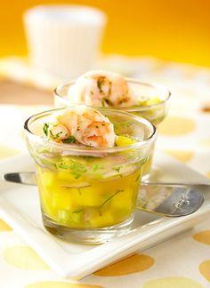 Puede preparar este mismo ceviche con pescado firme, vieiras y langostinos grandes.  Reemplace el jugo de naranja por otro cítrico.