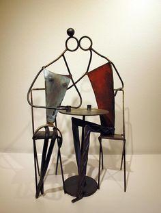 Josep Moscardó Café hierro policromado 54,5 x 33 x 23 cm.