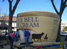 La lechería abrió sus puertas en 1907 , y ha estado yendo fuerte desde que el nombre en sí después de la flor silvestre Bluebell Texas. Esperar hechos más interesantes, como cuando toma un recorrido por donde se hace el helado. Están produciendo los sabores dulces en tres lugares: Brenham, Texas , Broken Arrow, Oklahoma , y Sylacauga, Alabama .