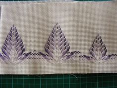 Discover thousands of images about Schema rielaborato da Carla, per asciugamani grande e piccolo Bargello Needlepoint, Broderie Bargello, Swedish Embroidery, Diy Embroidery, Embroidery Stitches, Embroidery Designs, Cross Stitches, Cross Stitch Designs, Cross Stitch Patterns