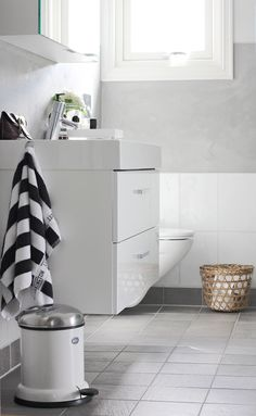 Via Stylizimo | Black and White | Bathroom | Vipp