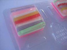 Melt & Pour Soap Making: Soap of Many Colors