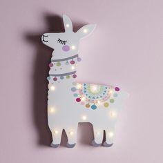 Llama Del Rey is our favourite colourful companion, she's sure to add a touch of fun to your little one's bedroom! At 30cm tall and with 17 warm white LEDs, she radiates a soft glow that'll brighten up bedrooms, from bookshelves to bedsides.