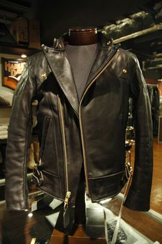 Custom size Handmade Chopper Jacket, 1.5 mm cow leather with accesories and color that you wished. Just for 790 $ contact for mesurement instructions and payment info.