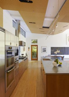 Designed by Los Angeles based firm Griffin Enright Architects - Ross Residence