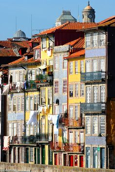 Traditional houses of Ribeira quarter in Oporto, a UNESCO World Heritage Site. Portugal