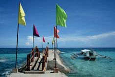 Boracay for budget travellers Essential Guide. All you need to know to make the most out of Boracay, without running out of money. Party Scene, Snorkelling, Top Destinations, Boat Tours, Travel Couple, Lonely Planet, Travel Essentials, Philippines, Budgeting