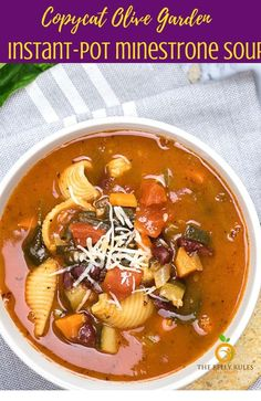 Instant- Pot Minestrone Soup Homemade Instant-Pot Minestrone Soup - so hearty, comforting and super popular around here! Skip the trip to Olive Garden! Stove Top Recipes, Soup Recipes, Chicken Recipes, Cooker Recipes, Meat Recipes, Olives, Olive Garden Minestrone Soup, Healthy Dinner Recipes, Vegetarian Recipes